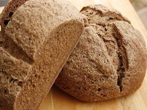 Giải mã giấc mơ thấy bánh mì đen điềm gì, đánh con số nào