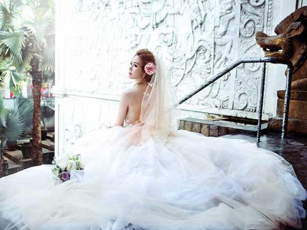 Điềm báo trong giấc mơ thấy áo cưới