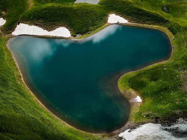 Mơ thấy hồ nước đánh con số nào?