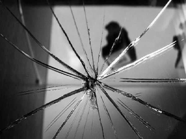 Gương vỡ là hiện tượng tốt hay xấu theo quan niệm tâm linh