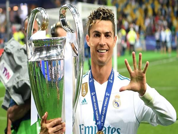 Tổng giá chuyển nhượng của Ronaldo gia nhập Juventus là bao nhiêu?
