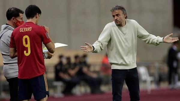 Enrique chốt danh sách vắng bóng cầu thủ Real Madrid
