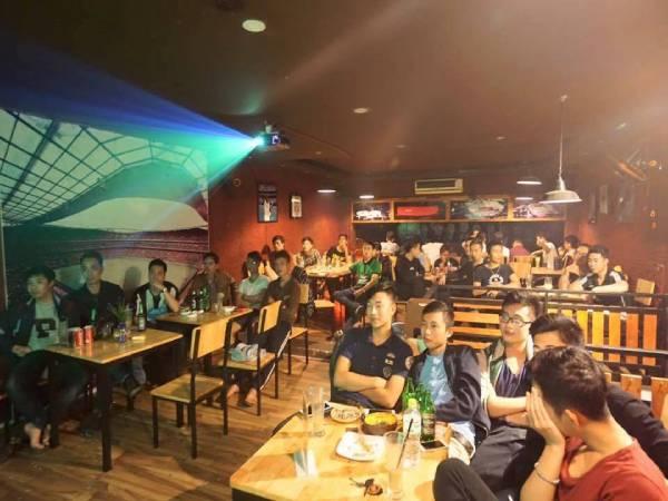 5 quán cafe bóng đá Hà Nội hot nhất cực kỳ sôi động